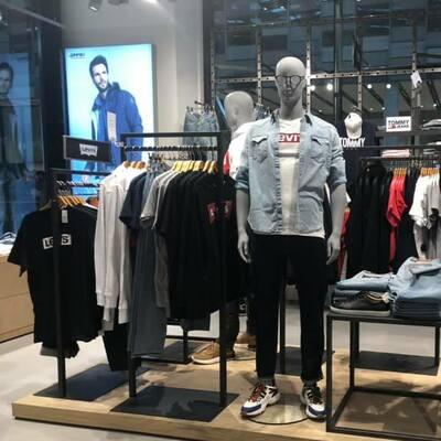 Retail mode, schoenen, sport & wonen